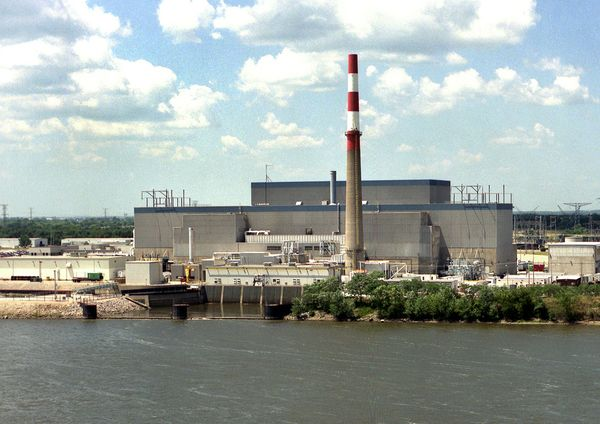 Exelon again threatens to close its aging, uneconomic, Fukushima-clone Quad Cities reactors--a threat that would be better as a promise.