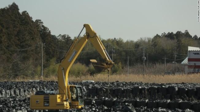 160304122223-fukushima-soil-2-exlarge-169