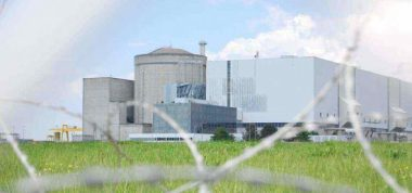The Blayais nuclear power plant in France (photo by Pierre-Alan Dorange, edited, CC BY-SA 3.0)
