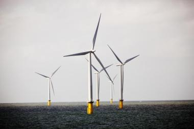 Offshore wind farm (Photo: DONG Energy A/S)