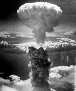 nagasaki-nuclear-explosion-photo-by-charles-levy-from-one-of-the-b29-superfortresses