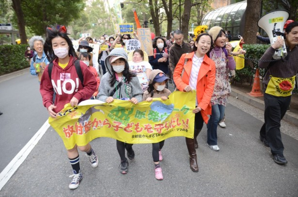 2013-Tokyo_Anit-nukeprotest-1200x795.jpg